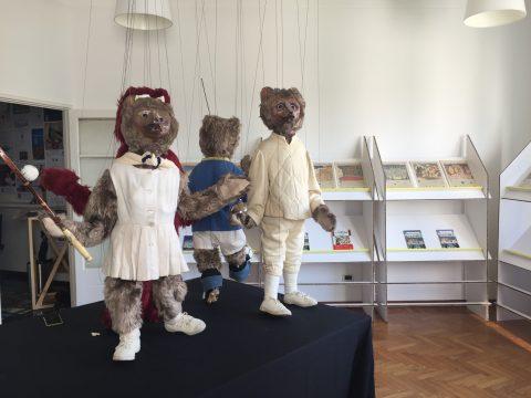 Invasione Orsi marionette